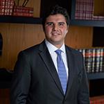 Bacharel em Direito pela Universidade Presbiteriana Mackenzie (São Paulo).